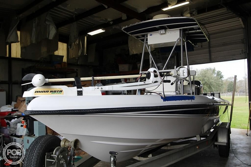 2004 Champion boat for sale, model of the boat is 24 Bay Champ & Image # 12 of 40