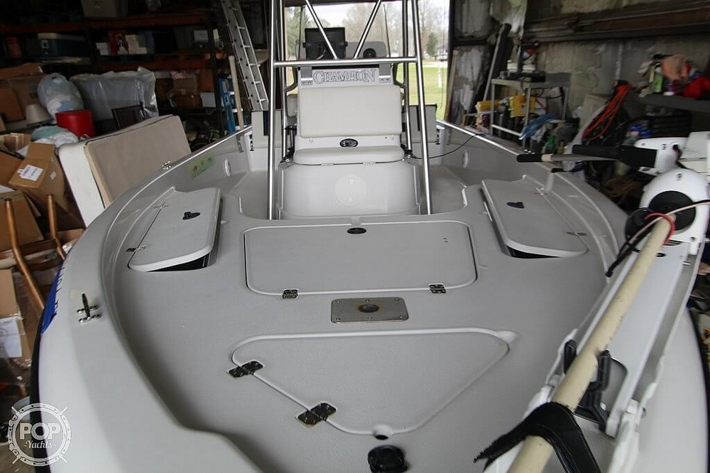 2004 Champion boat for sale, model of the boat is 24 Bay Champ & Image # 4 of 40