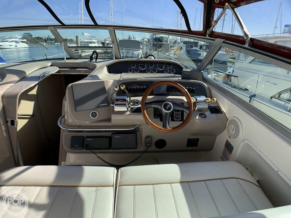 1998 Sea Ray boat for sale, model of the boat is 330 Sundancer & Image # 12 of 40