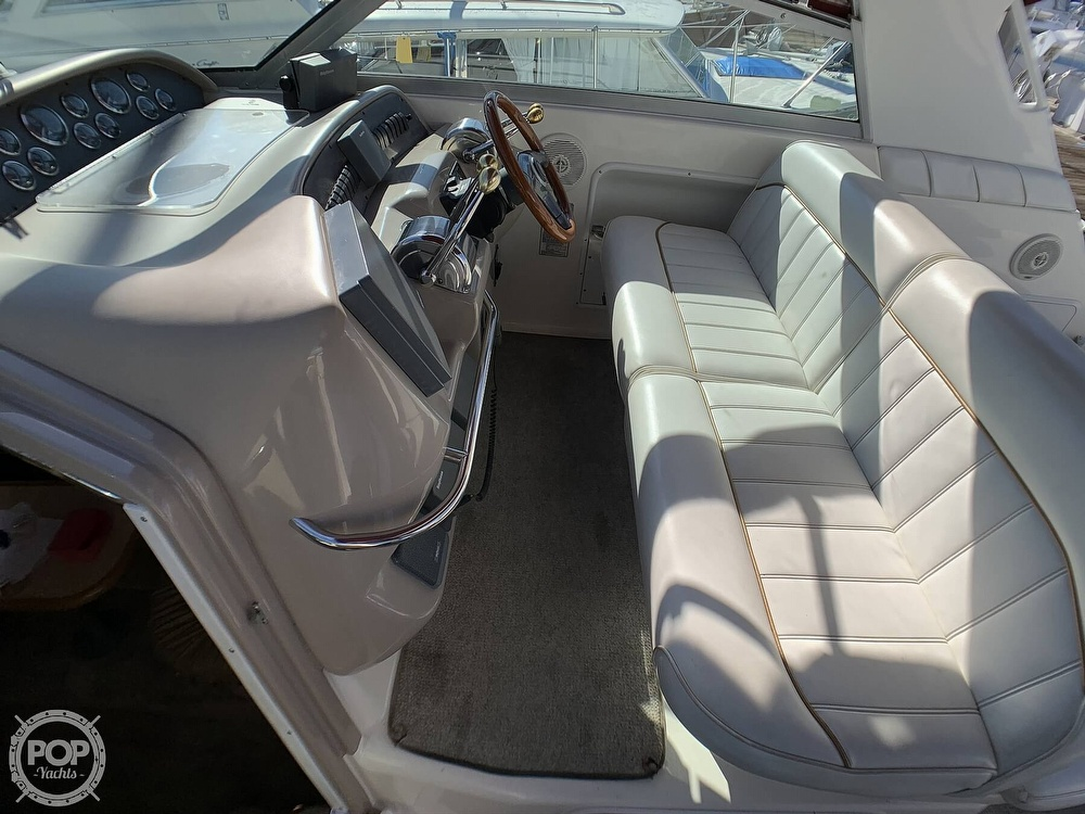 1998 Sea Ray boat for sale, model of the boat is 330 Sundancer & Image # 13 of 40