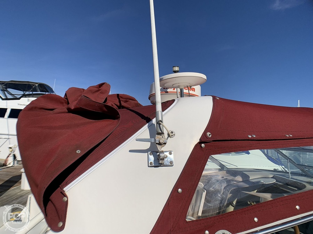 1998 Sea Ray boat for sale, model of the boat is 330 Sundancer & Image # 36 of 40