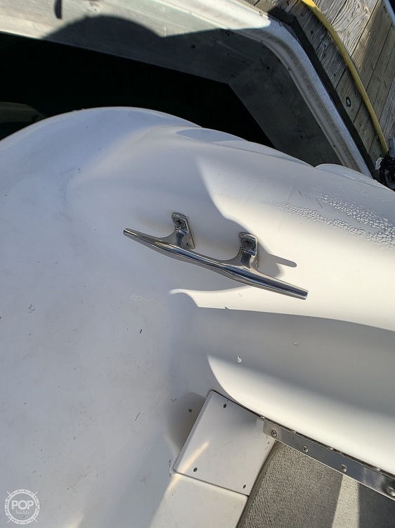 1998 Sea Ray boat for sale, model of the boat is 330 Sundancer & Image # 37 of 40