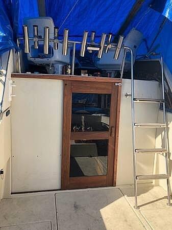 1987 Skipjack boat for sale, model of the boat is 25 Flybridge & Image # 10 of 11