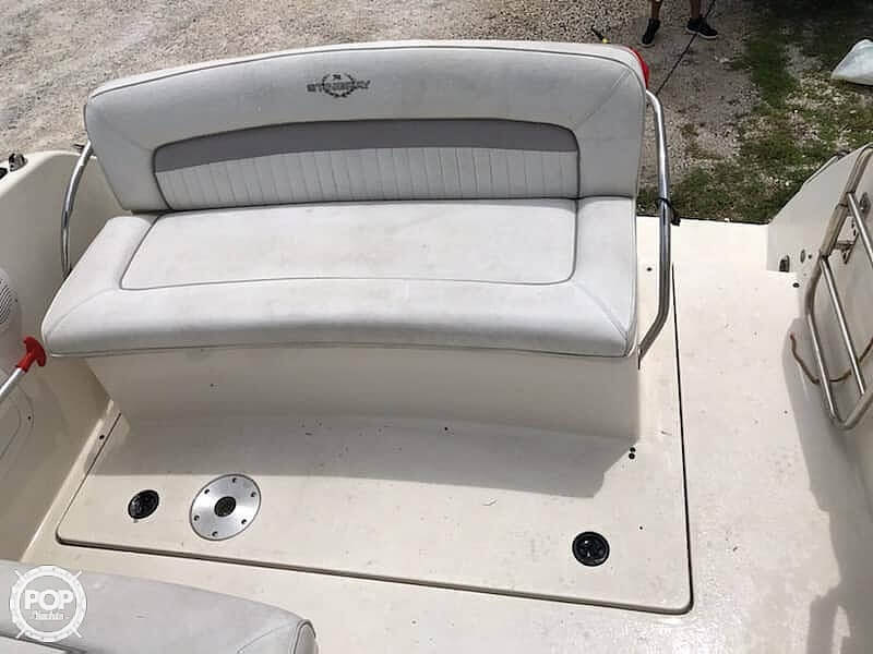 2006 Stingray boat for sale, model of the boat is 240 CS & Image # 13 of 40