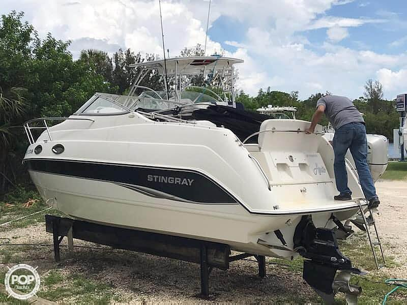 2006 Stingray boat for sale, model of the boat is 240 CS & Image # 9 of 40