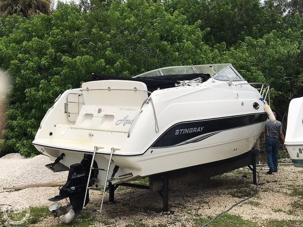 2006 Stingray boat for sale, model of the boat is 240 CS & Image # 3 of 40