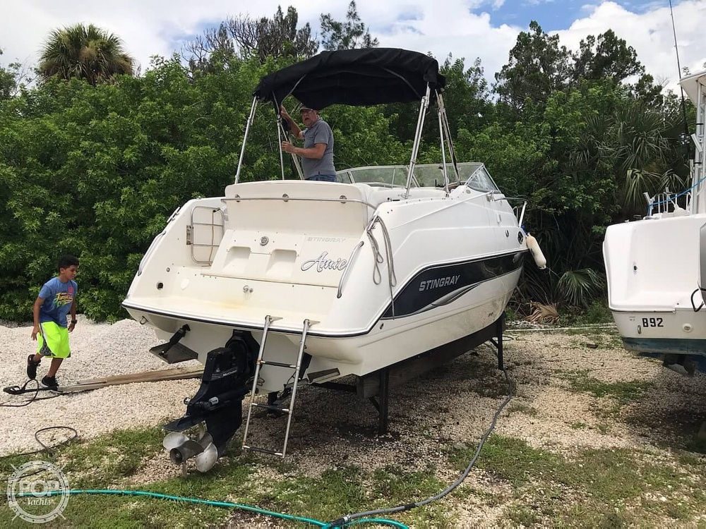 2006 Stingray boat for sale, model of the boat is 240 CS & Image # 18 of 40