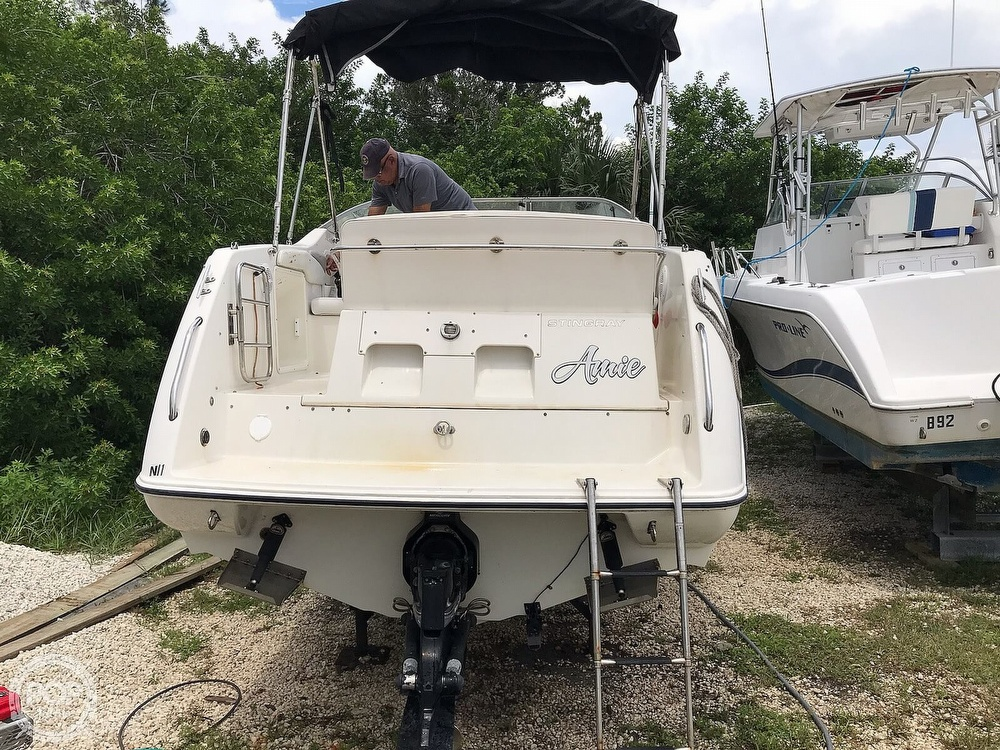 2006 Stingray boat for sale, model of the boat is 240 CS & Image # 23 of 40