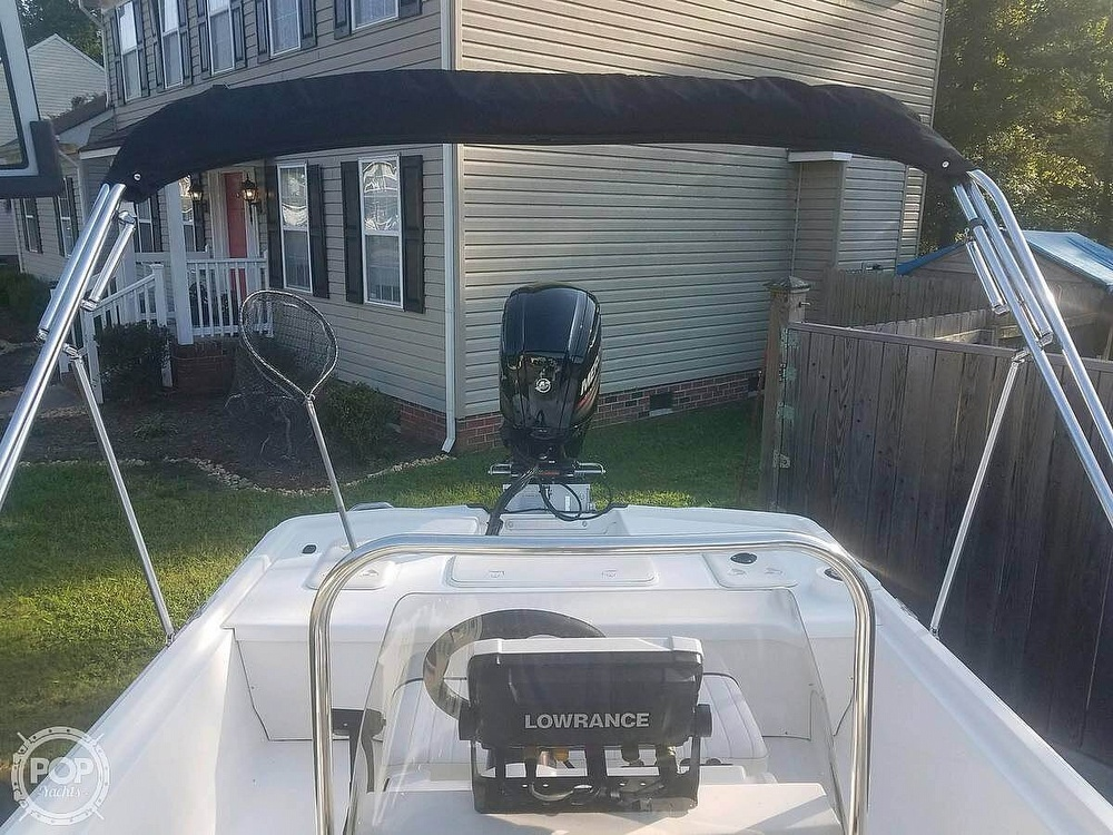 2017 Mako boat for sale, model of the boat is Skiff 19 CC & Image # 3 of 15