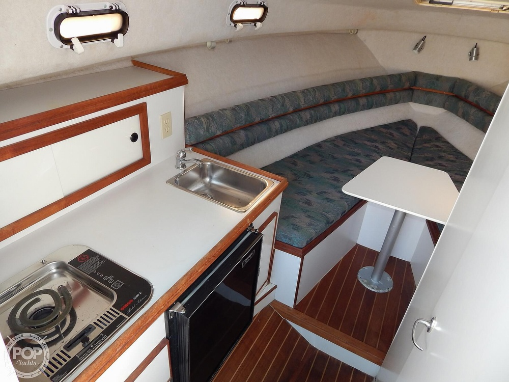 1992 Pursuit boat for sale, model of the boat is 2650 Cuddy Cabin & Image # 5 of 40