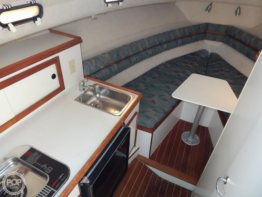 1992 Pursuit boat for sale, model of the boat is 2650 Cuddy Cabin & Image # 21 of 40
