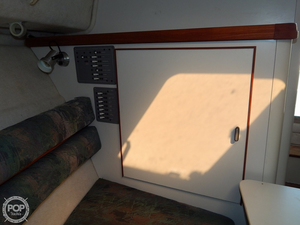 1992 Pursuit boat for sale, model of the boat is 2650 Cuddy Cabin & Image # 26 of 40
