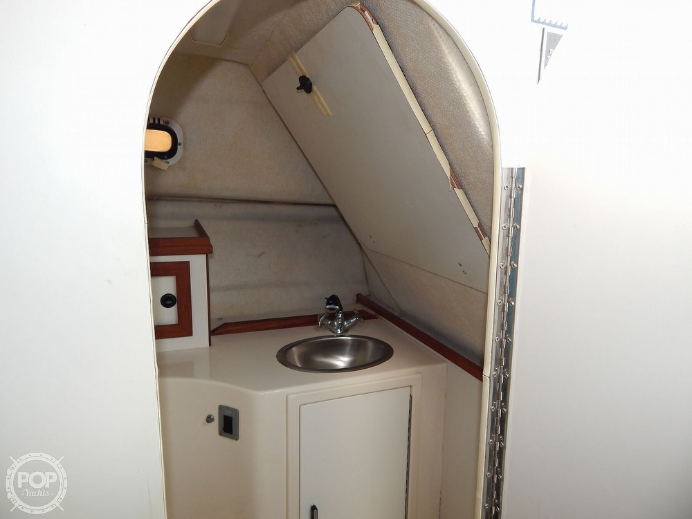 1992 Pursuit boat for sale, model of the boat is 2650 Cuddy Cabin & Image # 39 of 40