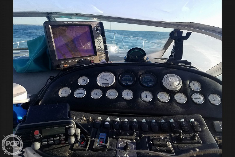 1992 Baja boat for sale, model of the boat is Express Twenty Nine & Image # 2 of 40