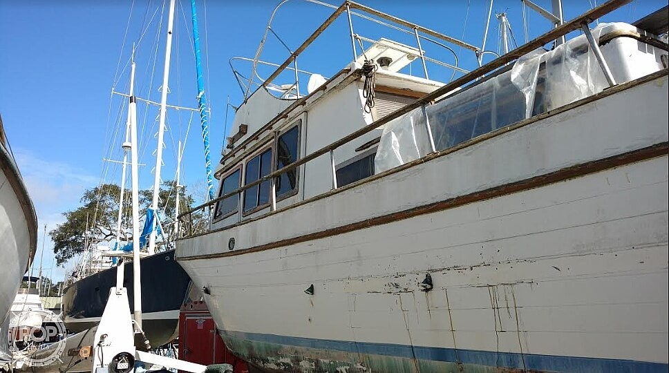 1976 Marine Trader boat for sale, model of the boat is 40 Double Cabin & Image # 2 of 40