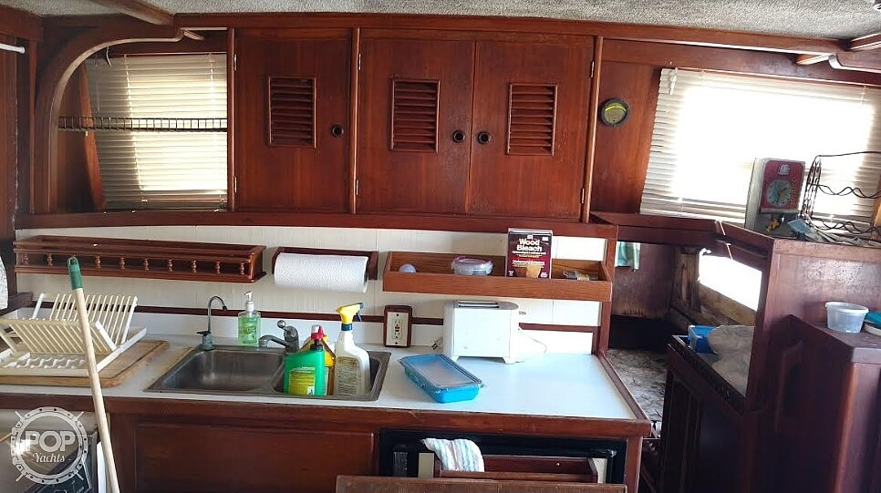 1976 Marine Trader boat for sale, model of the boat is 40 Double Cabin & Image # 3 of 40