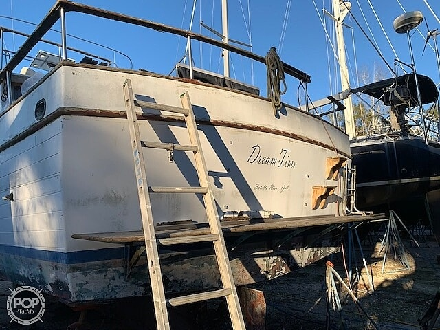 1976 Marine Trader boat for sale, model of the boat is 40 Double Cabin & Image # 16 of 40