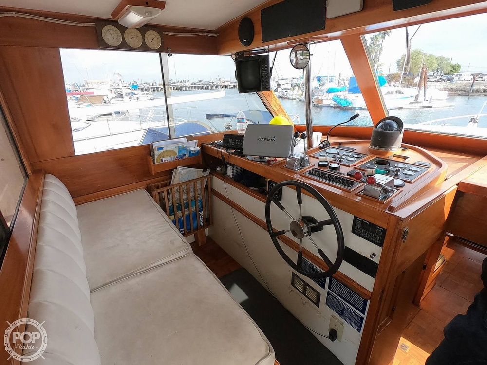 1986 Roughwater boat for sale, model of the boat is DCMY & Image # 28 of 40