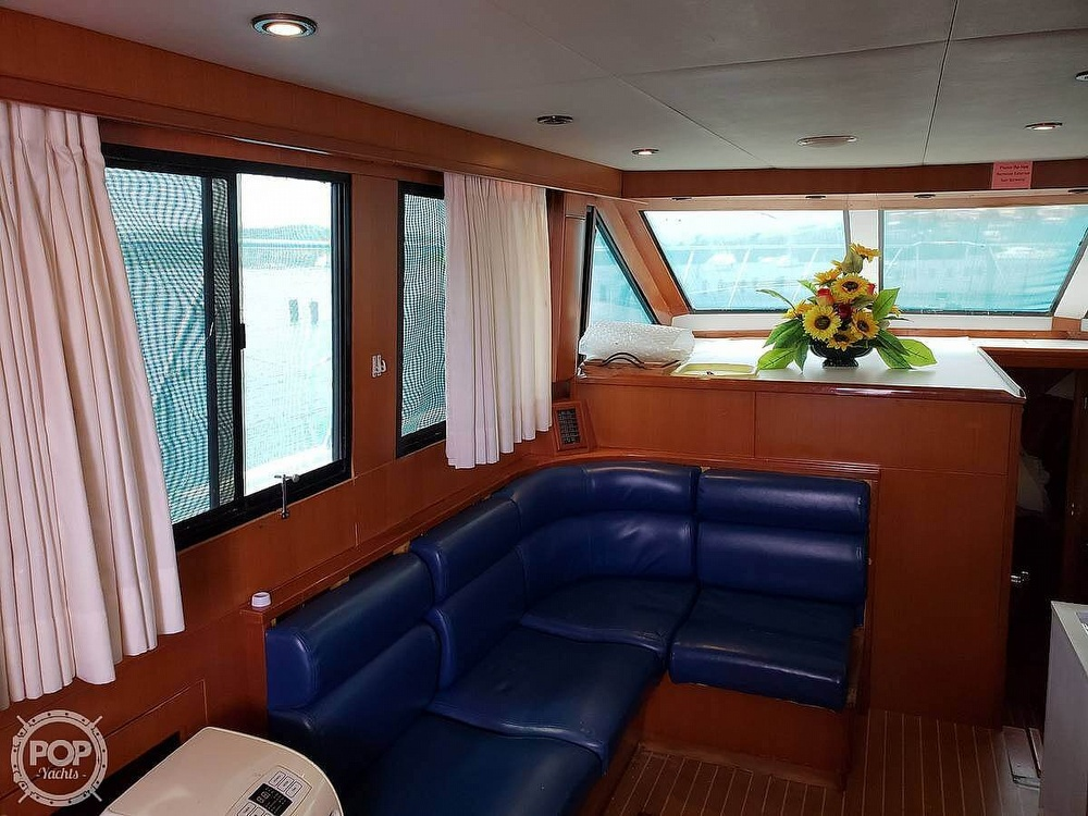 2000 Jefferson boat for sale, model of the boat is 46 Marlago Sundeck & Image # 7 of 24