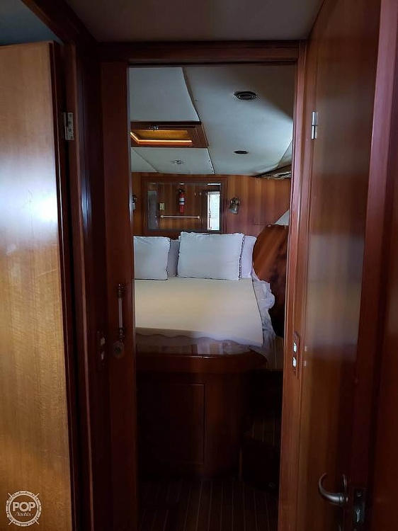 2000 Jefferson boat for sale, model of the boat is 46 Marlago Sundeck & Image # 10 of 24