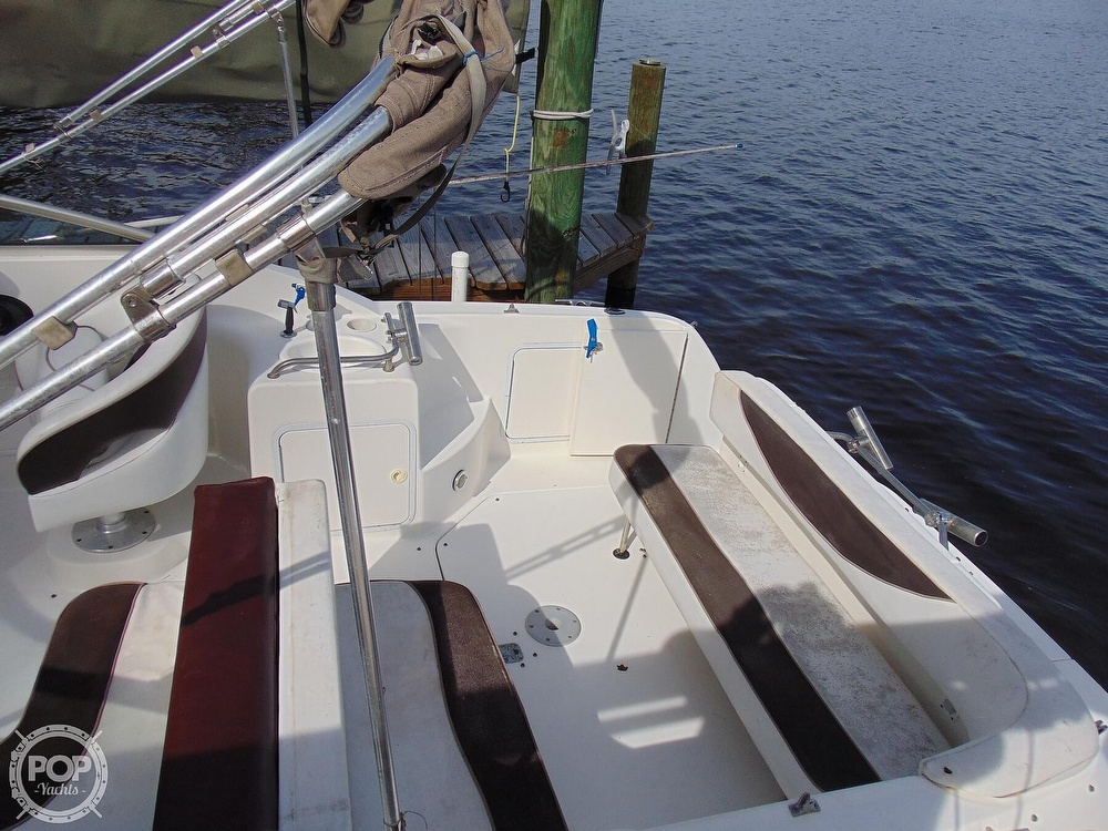 2001 Sea Ray boat for sale, model of the boat is 260 Sundancer & Image # 33 of 40