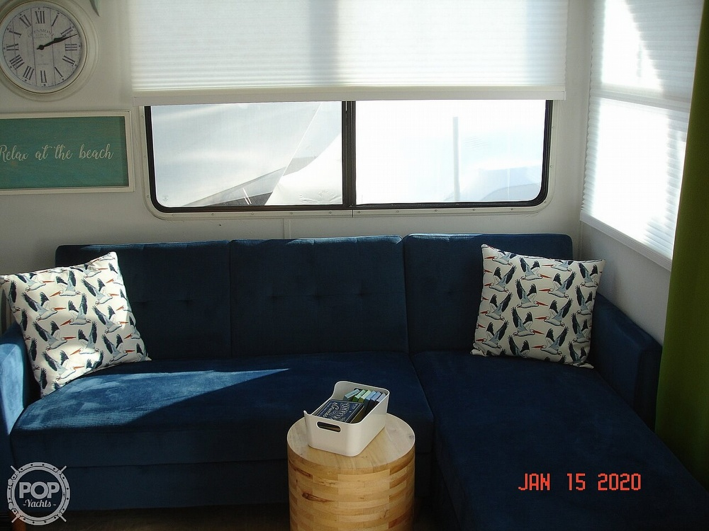 2007 Catamaran boat for sale, model of the boat is 42 Vagabond & Image # 37 of 40