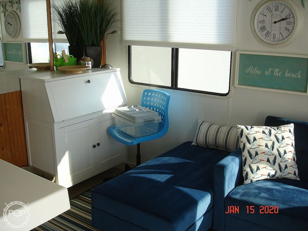 2007 Catamaran boat for sale, model of the boat is 42 Vagabond & Image # 38 of 40