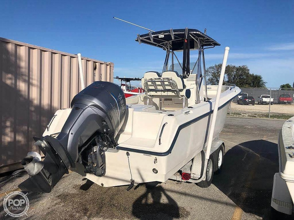 2005 Sea Hunt boat for sale, model of the boat is Triton 232 & Image # 2 of 41