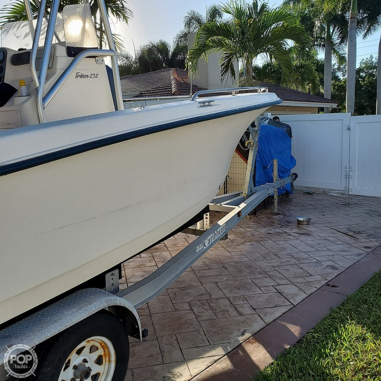 2005 Sea Hunt boat for sale, model of the boat is Triton 232 & Image # 19 of 41