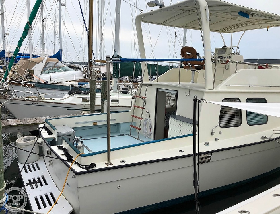 1972 Chris Craft boat for sale, model of the boat is 33 Coho & Image # 5 of 40