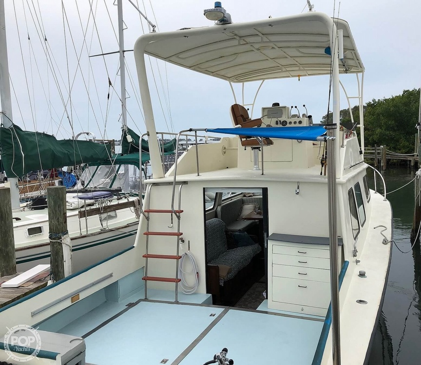 1972 Chris Craft boat for sale, model of the boat is 33 Coho & Image # 7 of 40