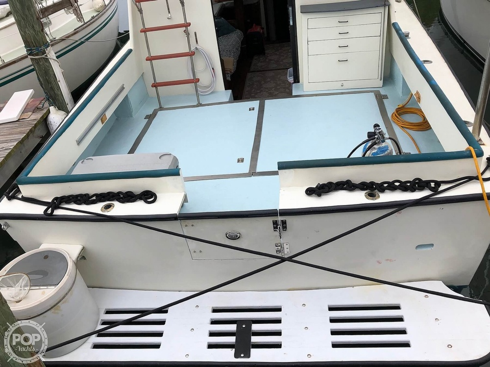 1972 Chris Craft boat for sale, model of the boat is 33 Coho & Image # 19 of 40