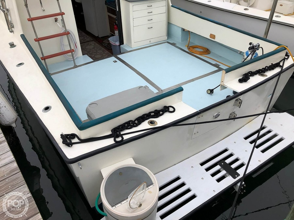 1972 Chris Craft boat for sale, model of the boat is 33 Coho & Image # 22 of 40