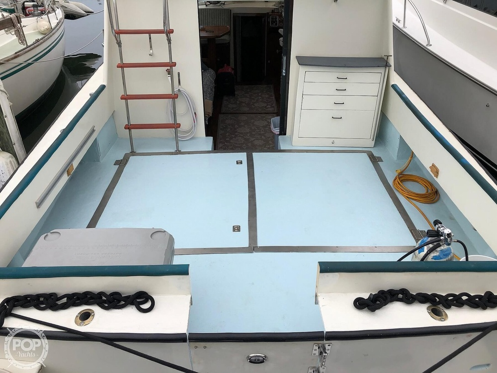 1972 Chris Craft boat for sale, model of the boat is 33 Coho & Image # 16 of 40