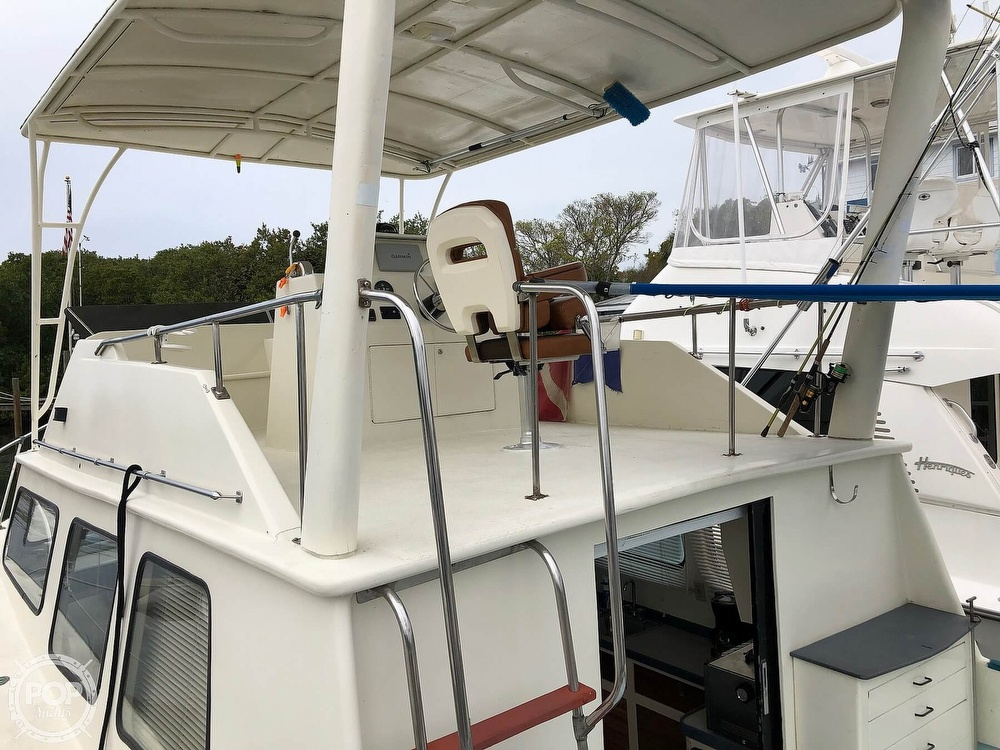 1972 Chris Craft boat for sale, model of the boat is 33 Coho & Image # 30 of 40