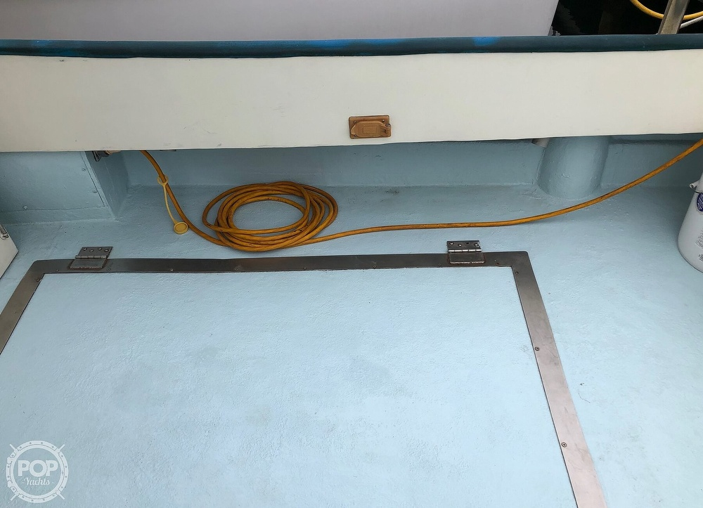 1972 Chris Craft boat for sale, model of the boat is 33 Coho & Image # 38 of 40