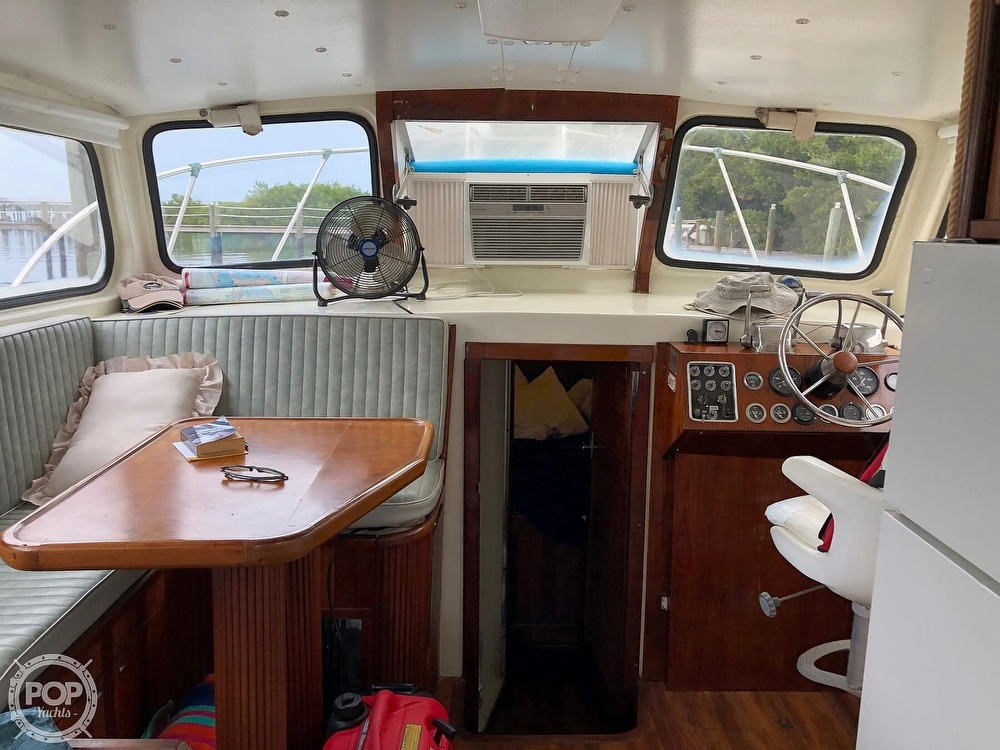 1972 Chris Craft boat for sale, model of the boat is 33 Coho & Image # 4 of 40