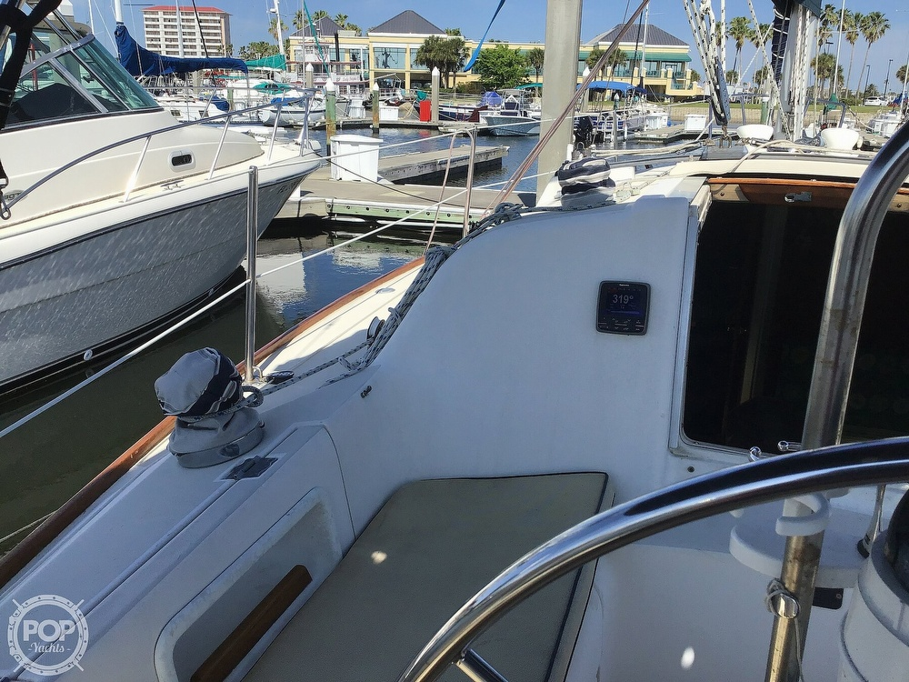 1989 Pearson boat for sale, model of the boat is P31-2 & Image # 31 of 40