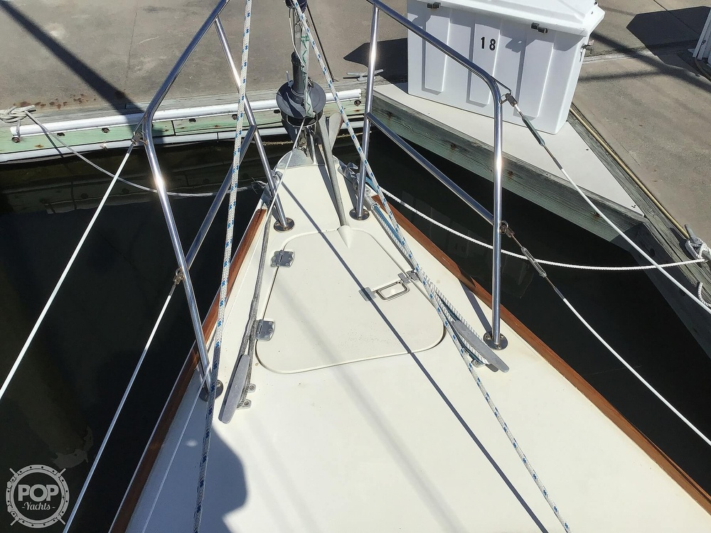 1989 Pearson boat for sale, model of the boat is P31-2 & Image # 35 of 40