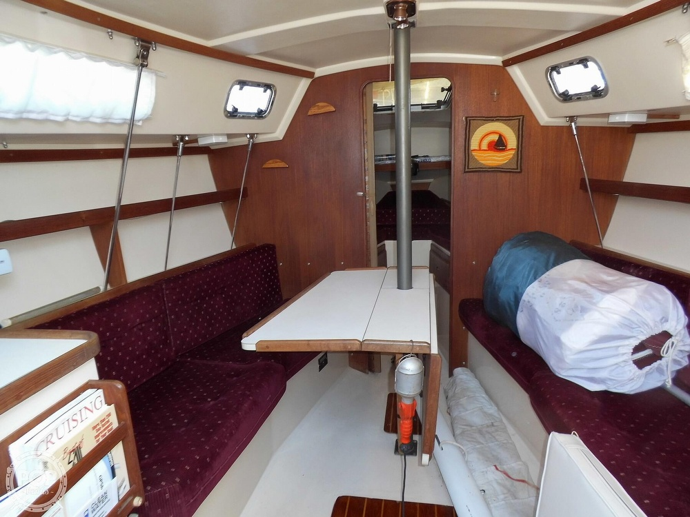 1990 Catalina Yachts boat for sale, model of the boat is 28 & Image # 38 of 40