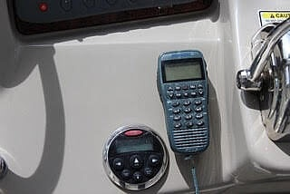 2006 Sea Ray boat for sale, model of the boat is 340 Sundancer & Image # 7 of 17