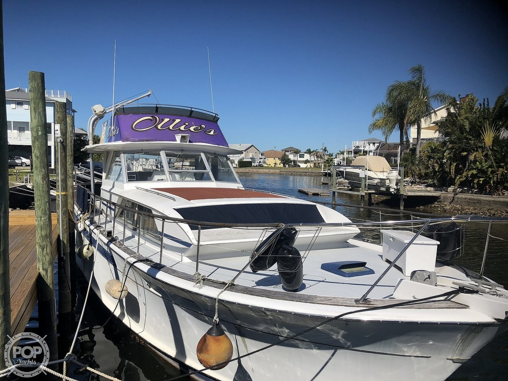 1969 Chris Craft boat for sale, model of the boat is 47 Commander & Image # 2 of 40