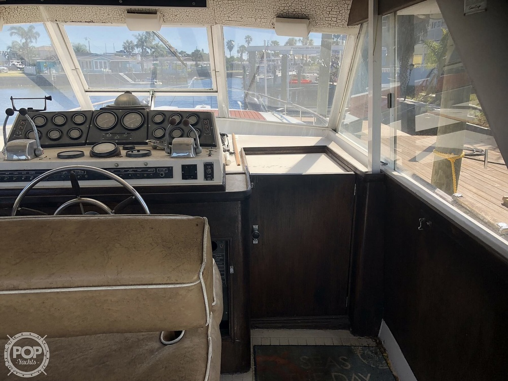 1969 Chris Craft boat for sale, model of the boat is 47 Commander & Image # 33 of 40