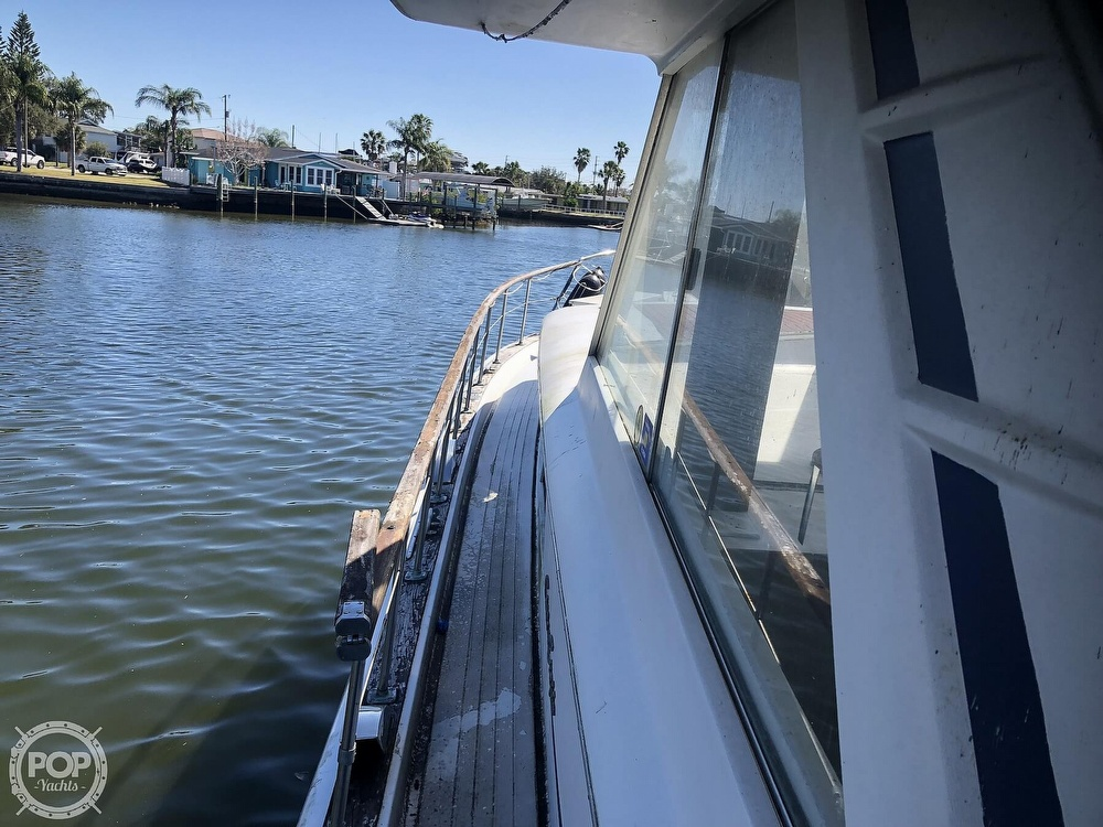 1969 Chris Craft boat for sale, model of the boat is 47 Commander & Image # 37 of 40