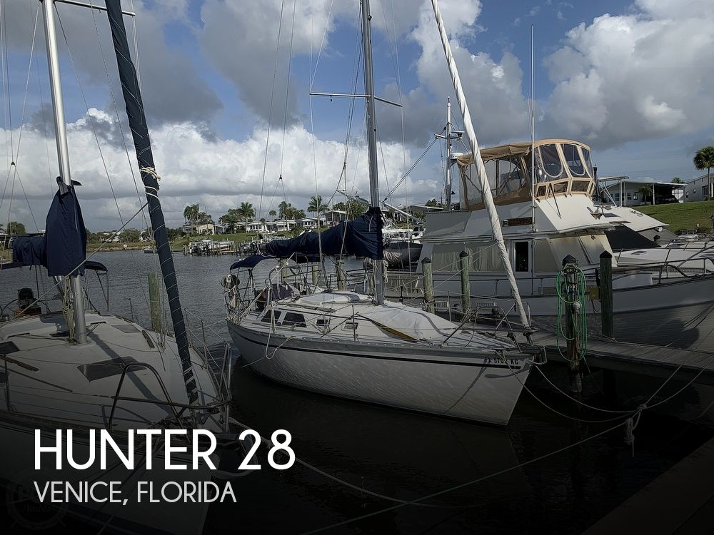 1991 Hunter boat for sale, model of the boat is 28 & Image # 1 of 41