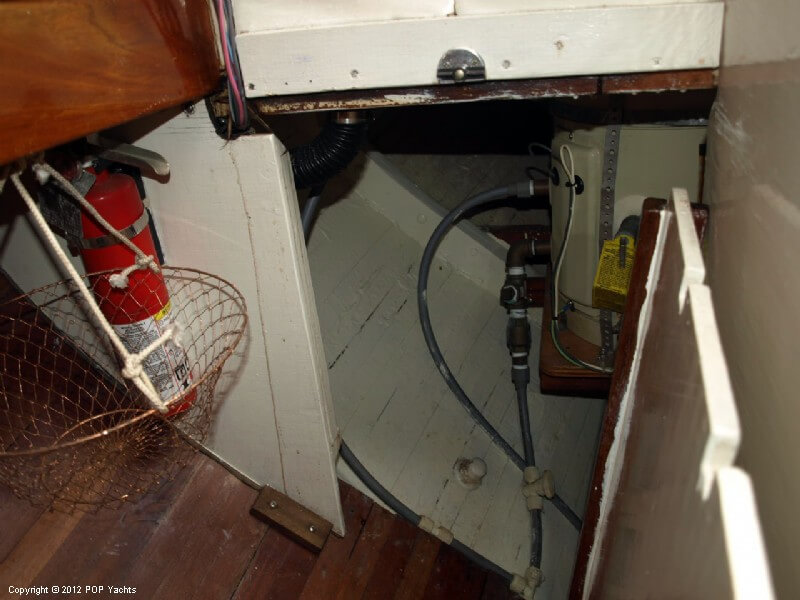 1998 Tahiti boat for sale, model of the boat is 33 Sailboat & Image # 29 of 40