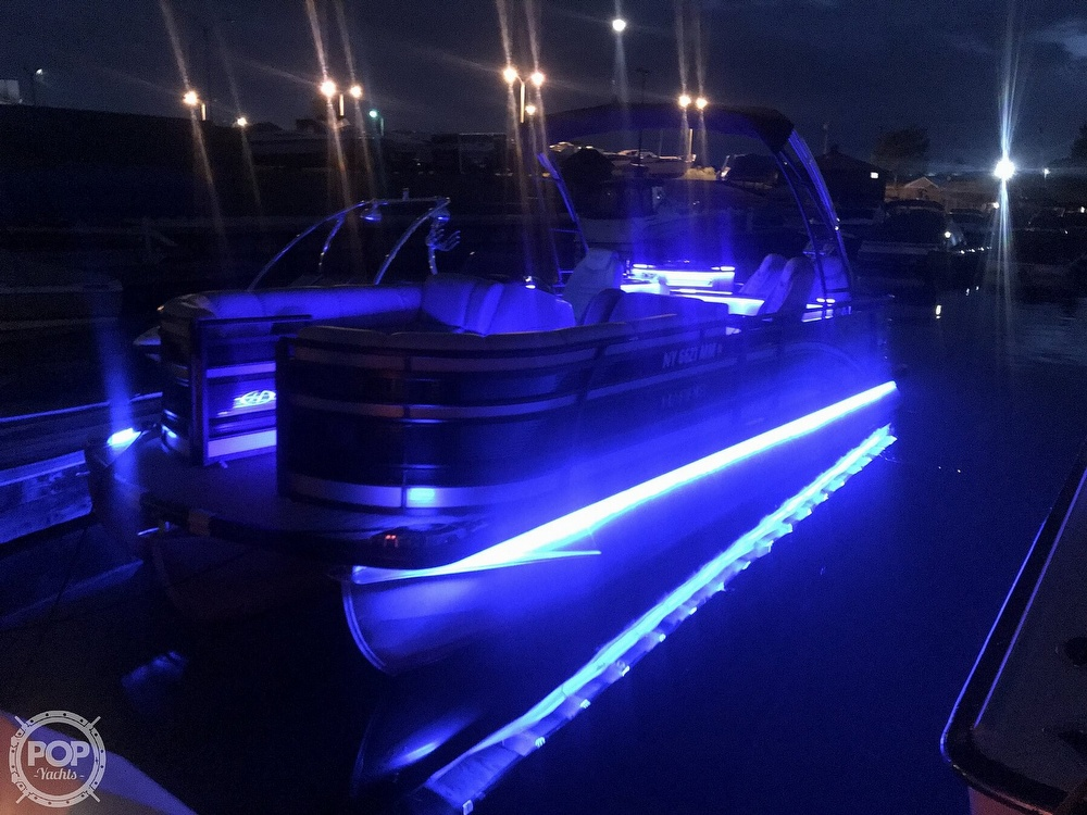 2017 Harris boat for sale, model of the boat is Solstice 240 & Image # 4 of 41