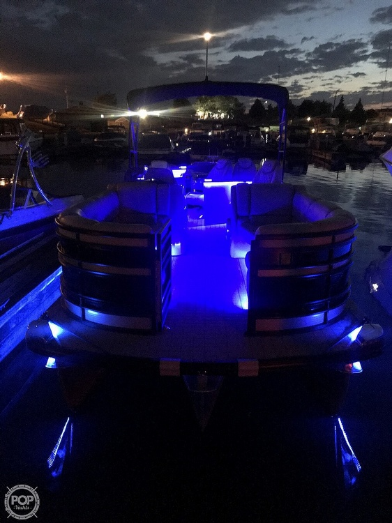 2017 Harris boat for sale, model of the boat is Solstice 240 & Image # 5 of 41