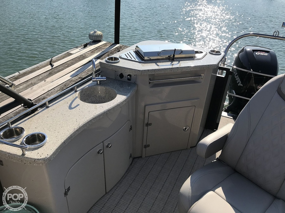 2017 Harris boat for sale, model of the boat is Solstice 240 & Image # 7 of 41