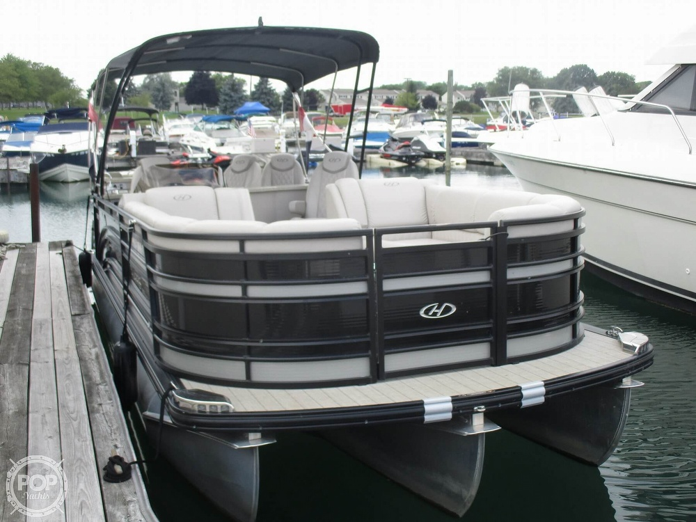 2017 Harris boat for sale, model of the boat is Solstice 240 & Image # 11 of 41